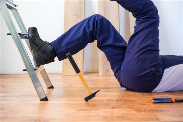 THREE BENEFITS OF CHIROPRACTIC CARE FOR WORKPLACE INJURIES