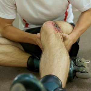 PREVENTING AND TREATING SPORTS INJURIES WITH A CHIROPRACTOR