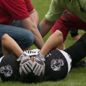 HOW A CHIROPRACTOR HELPS GET ATHLETES BACK ON THE FIELD FAST