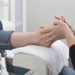 WHAT CAN YOU EXPECT DURING YOUR FIRST PHYSICAL THERAPY APPOINTMENT?