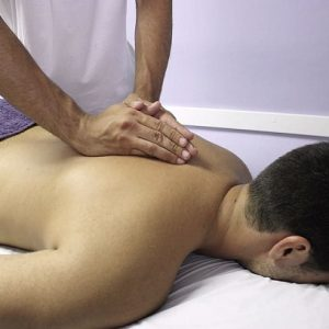 HOW MANUAL THERAPY WORKS TO HELP YOU MANAGE PAIN